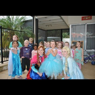 5 Year Old S Disney Frozen Party Kids Party Space