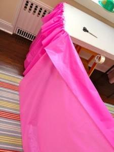 ruffle plastic table cloth